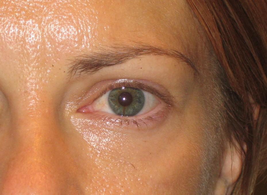 Eyeliner (before)
